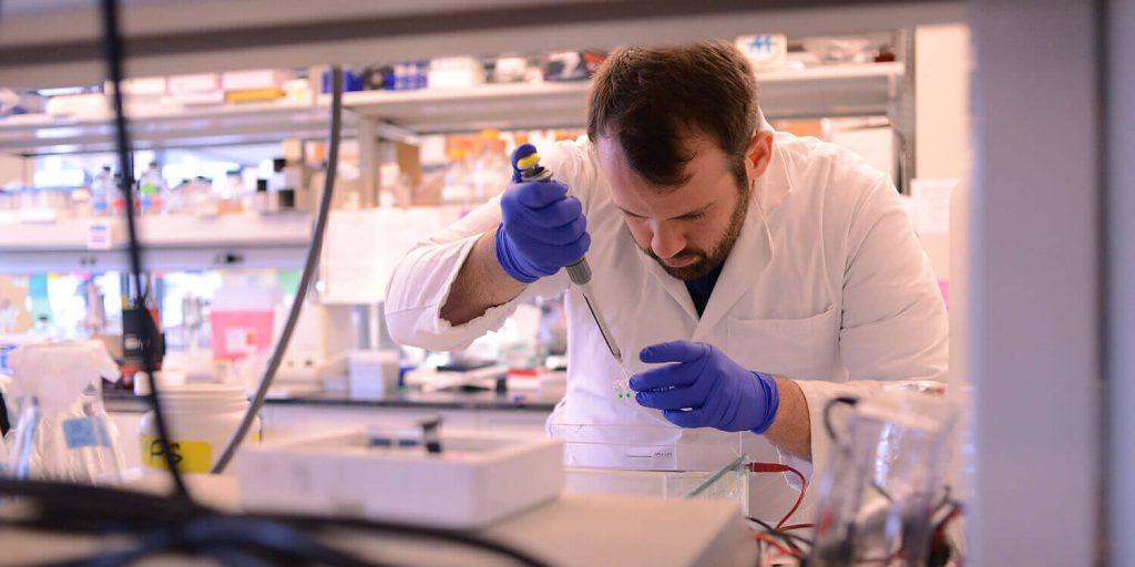 Xét nghiệm trong phòng thí nghiệm thông thường